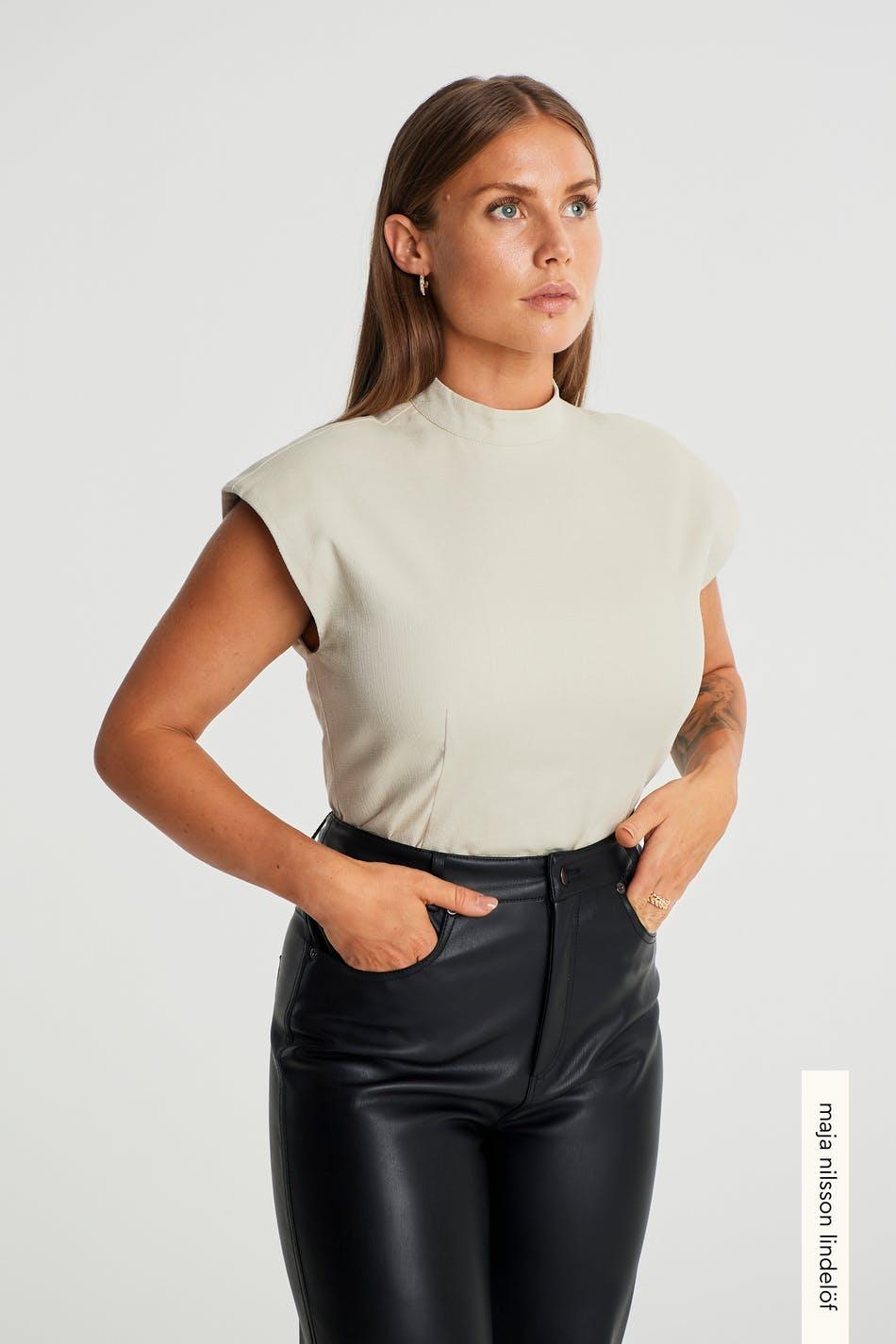 Jossa shoulder top