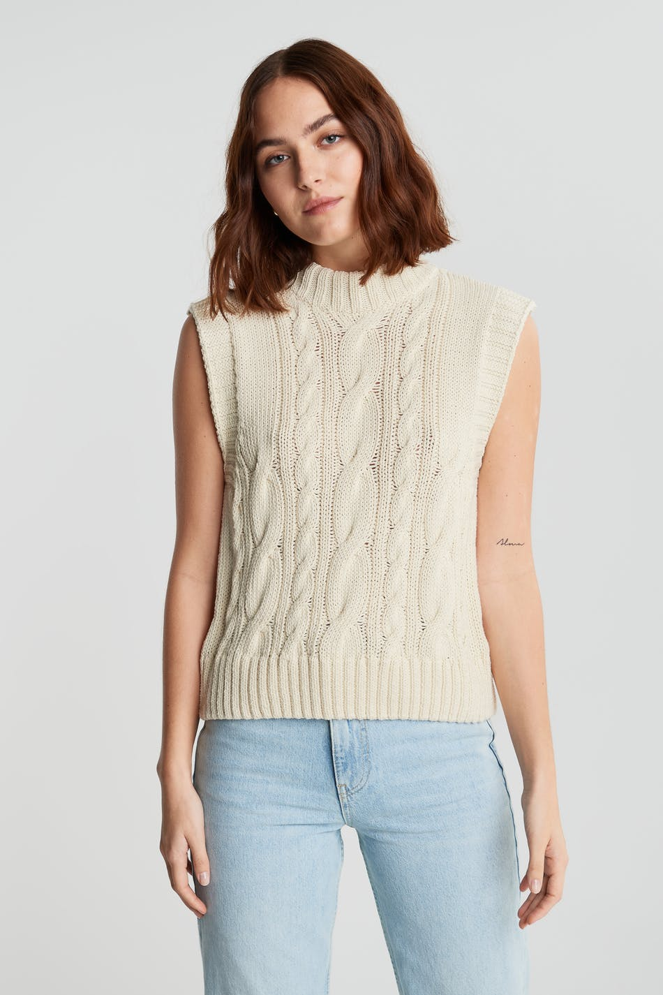 Stina knitted vest