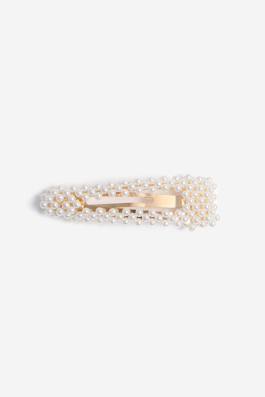 Pearl oversized clip from Gina Tricot
