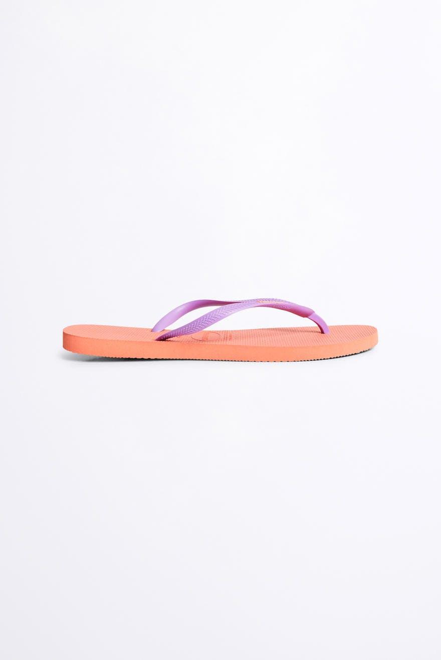 845232546039 Havaianas logo flip flops 30.00 EUR