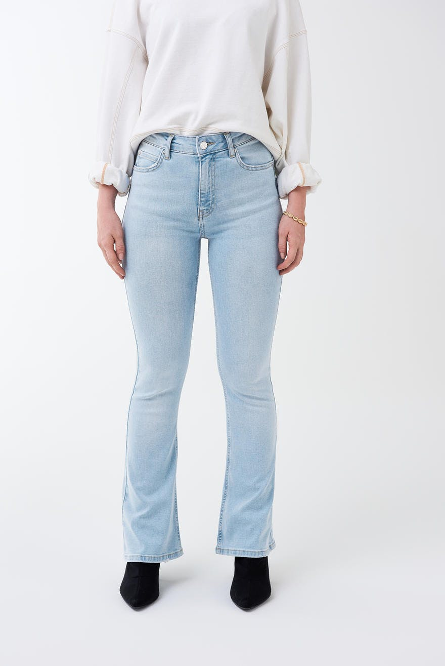 8bd47500dd5 Natasha PETITE bootcut jeans 39.99 EUR, Flare & Wide jeans - Clothing and  fashion online - Gina Tricot