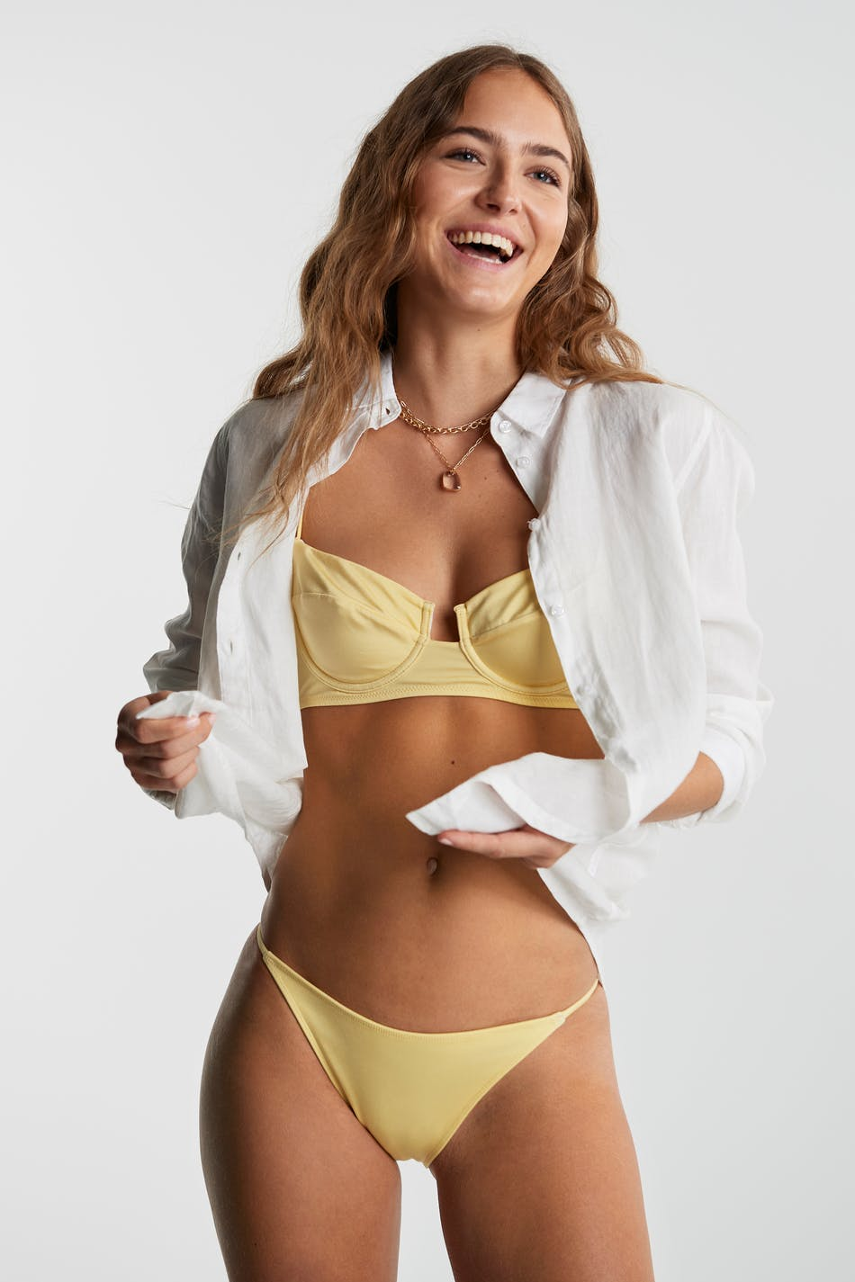 Sara bikini tanga